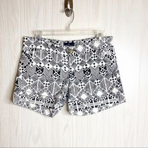 American Eagle Black and White Pattern Shorts